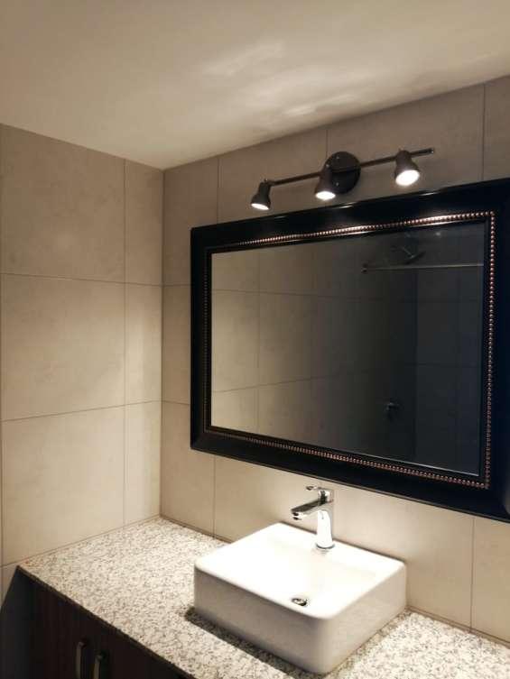 Baño completo incluye espejo